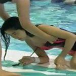 【懐かしの芸能人水泳大会】これはお宝!三浦理恵子の水着の肩ひもが取れた~
