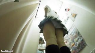 【試着室盗撮】ギャル系JKが下着を試着するのを隠し撮り!意外と巨乳ですw