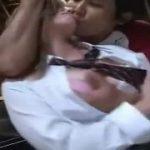 【レイプ盗撮】米国の爆乳白人女子高生を駐車場で襲って中出し!