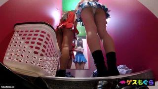 【試着室盗撮】2人連れのJKがチアガールの衣装を試着する模様を隠し撮りしましたw