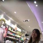 【パンチラ盗撮】ショップで買い物をする代わりに店員さんのパンティを撮らせてもらいましたw