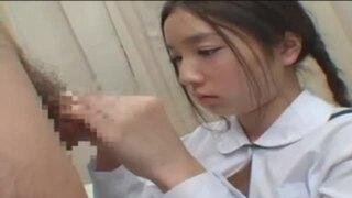 【マジックミラー号】修学旅行で上京していたJKに正しい避妊法を教えちゃいましたw