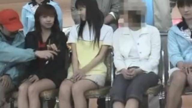 【お宝映像】今、離婚騒動で話題の小倉優子が一番可愛かった頃のパンチラですw