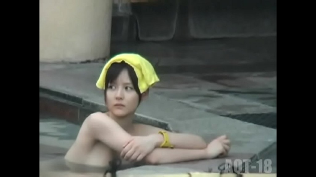 【露天風呂盗撮】某温泉の露天風呂の模様、全体的な質はイマイチですが中にはとびきりも!