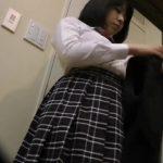【着替え盗撮】超可愛いJKが制服からスクール水着に着替えるところを隠し撮り!